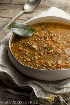 Minestra di lenticchie - zucchero e viole
