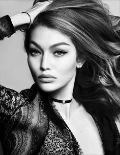 Top model Gigi Hadid is styled by Anna Dello Russo in a femme fatale mix of black lace seduction with a totally modern twist. Photographers Luigi & Iango capture 'Princess Gigi' for Vogue Japan December Makeup by Georgi Sandev; hair by Luigi Murenu Gigi Hadid Looks, Bella Gigi Hadid, Carmen Carrera, Vogue Japan, Kendall Jenner, Luigi, Poses, Anna Dello Russo, Photo Portrait