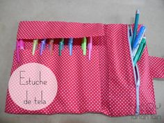 Estuche de Tela | Aprender manualidades es facilisimo.com Sewing Crafts, Sewing Projects, Sewing To Sell, Inexpensive Gift, How To Make Paper, Needle And Thread, Diy And Crafts, Sewing Patterns, Crafty