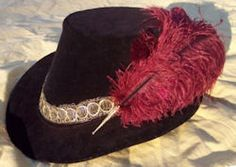 Based on historic portraits, this versatile hat is great for a variety of period costumes. Worn by both men and women during the Renaissance, riding hats provide a finishing touch to any historic outfit.   $76.99