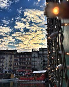 QUALCUNO SA VEDERE... QUALCUN'ALTRO NEMMENO GUARDARE....  #darsena #ig_milan #ig_milano_ #ig_milano #milano #igersmilano #milanodavedere #igfriends_milano #loves_milano #vivodiparticolari #vivomilano #volgomilano #todoclick #christmasvillage #scacco_matto_ #cattura_istanti #sunset #sunset_madness #sunset_pics #tv_clouds_m1 #kings_transports by dadaso