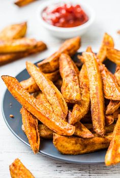 Baked Thick-Cut Seasoned Oven Fries (vegan, GF) - Learn the secrets to creating restaurant-style oven fries! They're baked rather than fried...