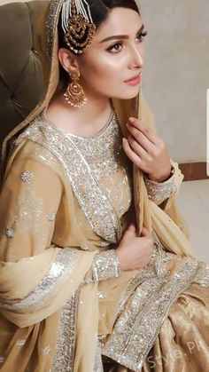 Ayeza Khan's Latest Beautiful Pictures