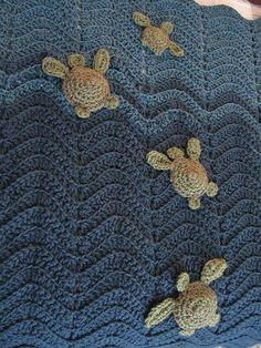 Ahhh-Dorable Baby Blanket With Lil' Sea Turtles ~ Inspiration only, no pattern! ♪ ♪ ... #inspiration_crochet #diy GB.