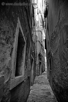 piran, slovenia...love the narrow cobblestone alleys