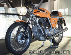 Ducati 750, Bikes For Sale, Cafe Racers, Racing, Motorcycle, Sports, Motorcycles, Running, Hs Sports