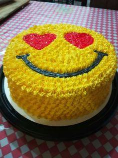 Cake Decorating Designs, Creative Cake Decorating, Cake Decorating Videos, Birthday Cake Decorating, Creative Cakes, Cake Designs, Sweet Birthday Cake, Candy Birthday Cakes, Sweet Cakes