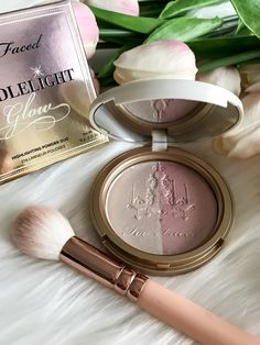 Too Faced - Candlelight Glow Highlighting Powder Duo Glam Makeup, Love Makeup, Makeup Art, Beauty Makeup, Face Makeup Tips, Skin Makeup, Highlighting Makeup, Too Faced, Benefit Cosmetics