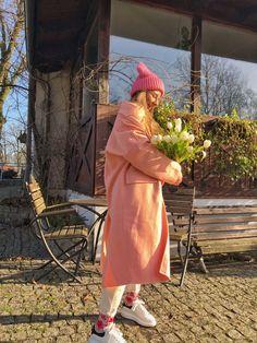 #fashion #style #styleinspiration #pasteles #bizuu #zara #color #peach #tulips #mcqueen Zara, Tulips, Mcqueen, Peach, Flowers, Color, Instagram, Style, Fashion