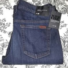 "NWT JOE'S JEANS CURVY BOOTCUT The Honey Brand new Joe's Jeans!!  Dark wash.  Size 29.  Inseam 34"".  These are amazing and extremely well contructed. Joe's Jeans Jeans Boot Cut"