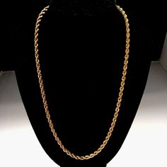 Stunning Vintage Gold Tone Signed Monet Rope Chain Necklace