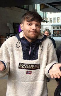 Aw so good Louis Tomlinson Imagines One Direction, Four One Direction, One Direction Pictures, Zayn Malik, Niall Horan, Liam Payne, Louis Y Harry, Louis Tomlinsom, Larry Stylinson