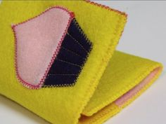 DIY Felt Wallet by Crafty Gemini, ThreadBanger How-to