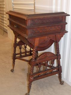 Antique Victorian Oak Sewing Stand Vanity Jewelry Box Table; Nice Orig. Cond.