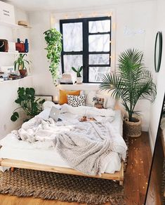 small bedroom design , small bedroom design ideas , minimalist bedroom design for small rooms , how to design a small bedroom Bedroom Decor For Couples Small, Small Space Bedroom, Small Room Decor, Bedroom Ideas For Small Rooms Cozy, Small Bedrooms, Small Bedroom Inspiration, Small Spaces, Space Saving Bedroom, Small Small