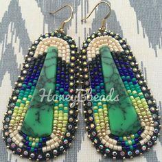Custom order pretties, working through my list lol 😅✔️💚 Beaded Earrings Patterns, Bead Patterns, Bead Earrings, Beaded Jewelry, Native Beadwork, Native American Beadwork, Beading Ideas, Beading Projects, Twerk Twerk