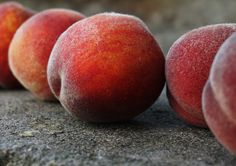 From Fruitarians Favorites: kinaaction - peaches #fruitarian #fruitarians #fruit fruitarians.net fb.me/fruitarians @fruitarians
