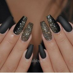 """25 Stylish black gel nail designs to decorate your nails"