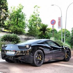 Ferrari 458 Italia.....Hmmm, I think I might look good behind the wheel of this!