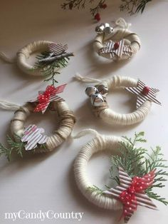 Super decor ideas for the home halloween ideas Christmas Crafts To Make, Christmas Ornament Crafts, Rustic Christmas, Christmas Projects, Holiday Crafts, Christmas Gifts, Curtain Rings Crafts, Curtains With Rings, Christmas Tree Decorations