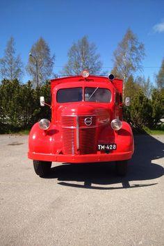 Volvo. Volvo Cars, Volvo Trucks, Classic Trucks, Classic Cars, Busses, Vintage Trucks, Land Cruiser, Subaru, Vehicles