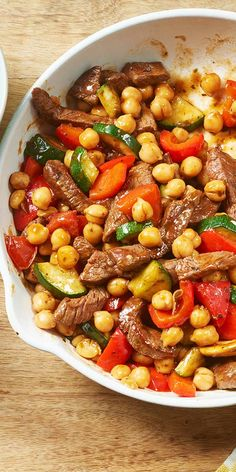 MAGGI Rezeptidee fuer Rindfleisch-Pfanne mit Kichererbsen MAGGI recipe idea for beef pan with chickpeas Easy Soup Recipes, Lunch Recipes, Meat Recipes, Chicken Recipes, Dinner Recipes, Cooking Recipes, Healthy Recipes, Recipe Chicken, Quick And Easy Soup