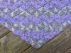 Crochetbird shared her love of Tunisian #crochet along with this short row shawl she's making using the Tunisian Shell Shawl pattern by Elena Fedotova.