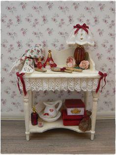 Marliesmade vanity table.