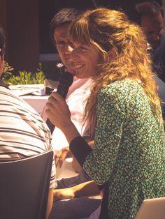 """La profe de Musicoterapia. Centro de Día de Salud Mental Alicia """"Tita"""" Brivio. Cierre de año con la muestra de las actividades y talleres, con la presencia de los pacientes, familiares, profesionales y autoridades municipales."""