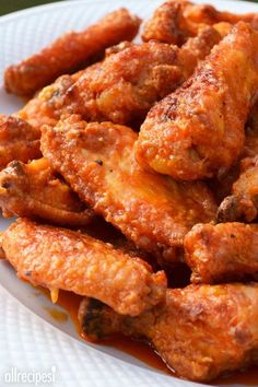 """Restaurant-Style Buffalo Chicken Wings 