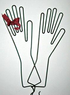 wire glove stretchers