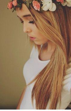 acacia brinley love her hair ♡ Acacia Brinley, New Hair, Your Hair, Wavy Hair, Acacia Clark, Strawberry Blonde, Poses, Hair Dos, Gorgeous Hair