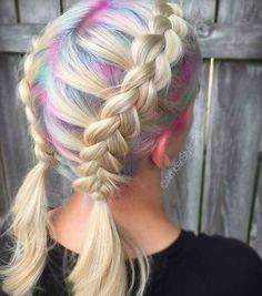 Mira qué geniales se ven estos colores pasteles con trenzas.