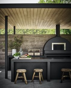 Walker Warner Architects and Jute Interior Design Outdoor Spaces, Outdoor Living, Parrilla Exterior, Wood Fired Oven, Outdoor Kitchen Design, Backyard Patio, Modern Backyard, Pergola Patio, Outdoor Furniture Sets