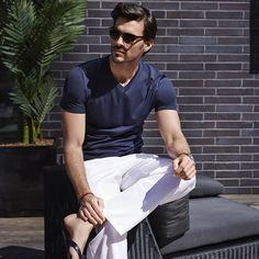Modern cuts / Coupes élégantes et contemporaines #SHAN #shanswimwear #resortwear #men #modern #cuts @poirierjf_official @genevievecharbonneau