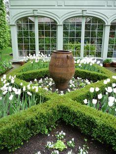 Bunny Williams garden