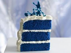 Royal blue velvet cake make into cupcakes and use green sprinkles or frosting for the Seahawks!