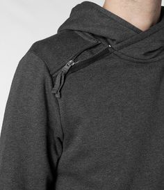 SWEAT; SHOULDER OPENING; ZIPPER; OVERLAP HOOD