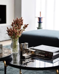 The Eighth - Mim Design Coffee Table Styling, Decorating Coffee Tables, Coffee Table Design, Modern Interior Design, Interior Styling, Interior Decorating, Mim Design, Appartement Design, Vase Fillers