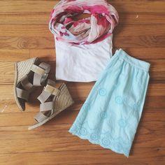 Francesca's | Blue Eyelet Scalloped Skirt Beautiful spring skirt! Eyelet detailing. Side zip. Scalloped edge. Francesca's Collections Skirts