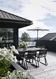 New projects coming up outdoor spaces - garden design веранд Rooftop Terrace, Terrace Garden, Outdoor Dining, Outdoor Spaces, Outdoor Decor, Scandinavian Garden, Garden Furniture, Land Scape, Porches