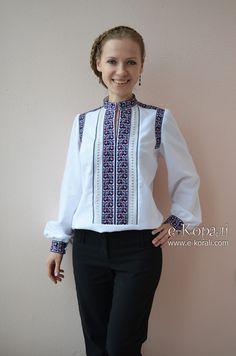 white folk peasant blouse with embroidery Folk Embroidery, Embroidery Fashion, Traditional Fashion, Traditional Dresses, Ethnic Fashion, Look Fashion, Ukrainian Dress, Ethno Style, Palestinian Embroidery