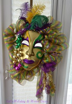 Awesome Mardi Gras Wreath ...