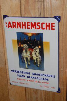 arnhemsche verzekering emaille reclamebord. Vintage Metal Signs, Advertising Signs, Enamels, Dutch, Posters, History, Souvenir, Everything, Nostalgia