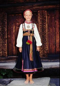 Norsk Folkemuseum - Fotograf Reinsfelt, Anne-Lise Folk Costume, Costumes, Thinking Day, Ethnic Fashion, Folklore, Cool Kids, Norway, Scandinavian, Harajuku