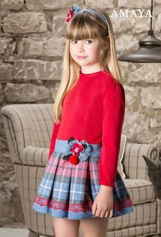 Anabel moda: ARTESANIA AMAYA. Arras y classic Little Girl Skirts, Cute Girl Dresses, Cute Little Girls, Young Fashion, Kids Fashion, Toddler Girl Outfits, Dance Outfits, Beautiful Children, Baby Dress