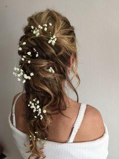Fluffig und locker gesteckt mit Schleierkraut Airbrush Make Up, Braut Make-up, Cassie, Hairdo Wedding