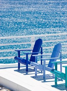 cobalt and shades of blue I cobalt és kék árnyalatok Boutique Hotel Mykonos, Vert Turquoise, Bleu Indigo, Seaside Style, Seaside Inn, Am Meer, Blue Aesthetic, Beach Cottages, Shades Of Blue