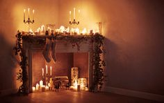 Candlelit Yule Log on the next DIY? A fake fireplace. Noel Christmas, Winter Christmas, Christmas Crafts, Christmas Decorations, Holiday Decor, Elegant Christmas, Christmas Ideas, Christmas Design, Seasonal Decor