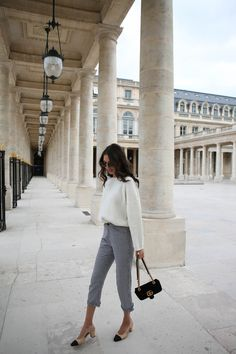 white sweater and checkered pants street style Office Fashion, Work Fashion, Style Fashion, Laura Fashion, Spring Summer Fashion, Autumn Winter Fashion, Mode Pastel, Chic Outfits, Fashion Outfits